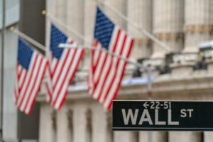 È una buona idea investire nell'indice Dow Jones? È l'indice più prestigioso del mercato azionario statunitense. Raggruppa le 30 maggiori aziende per capitalizzazione di mercato negli Stati Uniti, ma è una buona idea investire nell'indice Dow Jones?È una buona idea investire nell'indice Dow Jones?